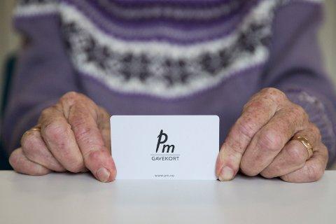 UGYLDIG: Gavekortet til PM i Fossveien er etter kleskjedens konkurs gjort ugyldig, og Bodil Andersen fikk ikke brukt gaven hun hadde fått til sin 80-årsdag.