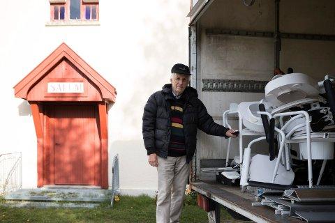 SAMLER INN: Inge Gulbrandsen Skaro (80) samler inn og ønsker mer klær og utstyr til han reiser til Moldova.