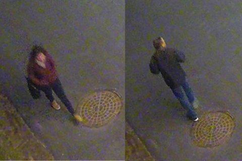 HVEM ER DE?: Politiet tror disse to personene kan ha observert noe i forbindelse med knivstikkingen i Hønefoss 16. oktober, og ber om tips om hvem de to er. Bildene er fra overvåkingskamera, og utlevert av politiet.