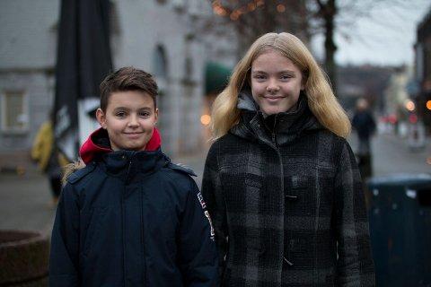LIKER SPINK: Andrija Majic (13) og Majlene Halvorsen-Granberg (13) mener Spink er nyttig for barn og unge.