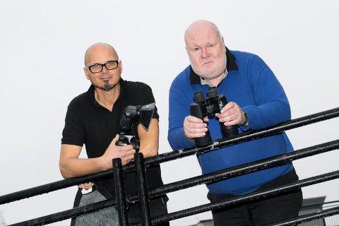 SAMMEN OM FOTO: Audun Haugen og Pål Lundstad åpner fotohus i Hønefoss. – Vi utfyller hverandre veldig godt, sier de.