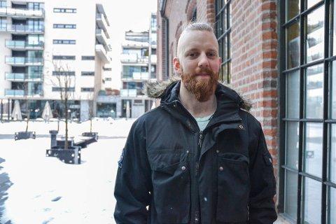 TAS IMOT MED ÅPNE ARMER: Studentsamfunnet styreleder Espen Rustad mener studenter ville benyttet seg av tilbudet med gratis busskort mot å melde flytting.