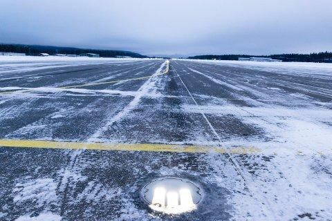 KAN FÅ STØRRE TRAFIKK: Eggemoen kan bli ny hovedsmåflyplass når Kjeller antakelig legger ned driften i 2023.