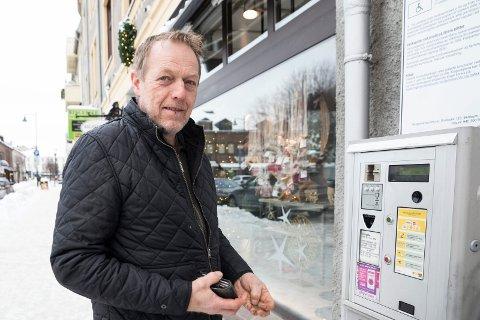 BRA: Svein Elverud fra Hadeland mener 20 minutters gratis parkering er en god idé.