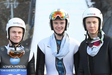 NY GOD HOPPING: Flemming Dolonen Hagen, Tobias Haugelien og Ole Gudbrand Kihle Gravermoen fikk topplasseringer også i det andre NC-rennet.