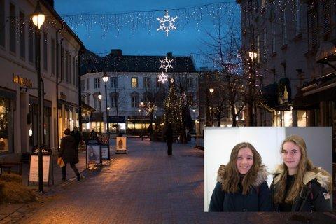 VIL BRUKE TORGET: Hanne Opseth (17) og Ragnhild Stensrud (17) skulle gjerne handlet mer på Søndre torg, men savner flere ungdomsbutikker.