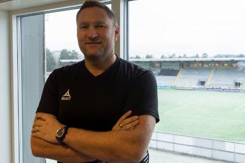 NY KONTRAKT: Jan Gundro Thorstensen skal trene HBK-damene også i 1. divisjon i 2019.
