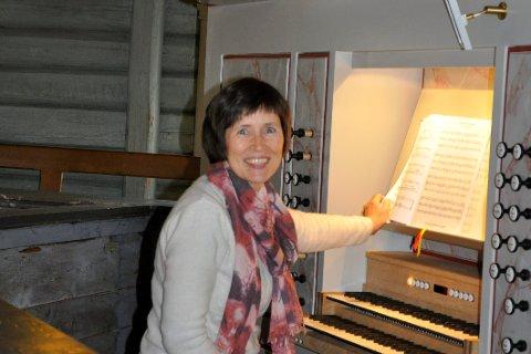 Kantor Kari Monsen Sødal gleder seg over konsert og nytt orgel i Jevnaker kirke.