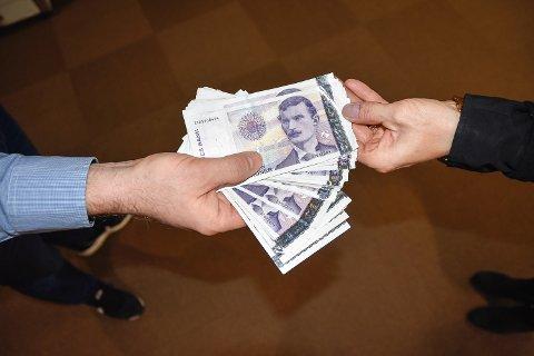 STORE SUMMER: En mann har tatt opp store private lån, men betaler ikke tilbake. Illustrasjonsfoto: Torunn Bratvold
