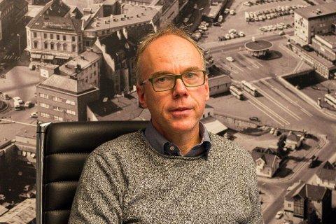 Steinar Aasnæss og Høgskolen i Sørøst-Norge har sendt ut spørreundersøkelse til alle private bedrifter i distriktet. Mange har svart, men noen av de største aktørene mangler.