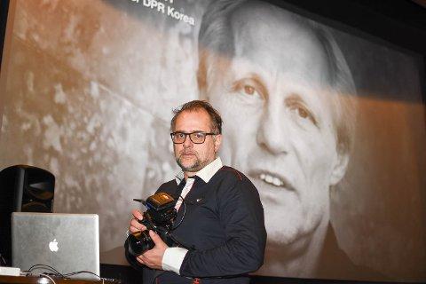 TØFF TID: Lasse Olsrud Evensen forteller om en krevende tid. Her er han avbildet i forbindelse med visningen av dokumentarfilmen om Jørn Aneersen, som ble lansert i 2018.
