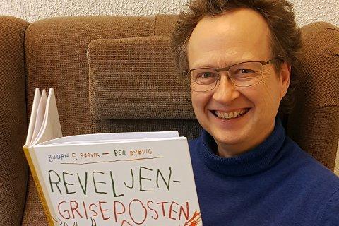 """Ny bok: Suksessbarnebokforfatter Bjørn F. Rørvik har utgitt bok nummer 13. i serien om Reven og Grisungen. Forlaget Cappelen Damm har høye forventninger til salgstallene til """"Reveljen - Griseposten""""."""