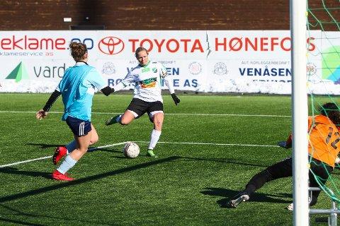 Målscorer: Silje Nyhagen scoret fire mål i søndagens treningskamp mot Høybråten og Stovner.