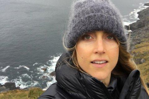 Tøffing: Siri Østvold skal seile gjennom «The great garbage patch» i Stillehavet sommeren 2018. Her besøker hun Stad. – Bildet er fra den vakre, rå kystlinja ved Stad, sier hun.