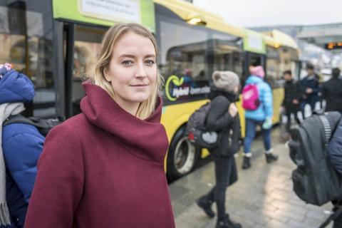 KRITISK VENN: I juni blir Sandra Bruflot (26) fra Lierskogen (nå bosatt i Hole) leder av Unge Høyre for en periode på to år.