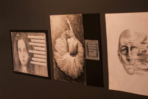 Utstillingen består av ulike, kreative kunstverk.