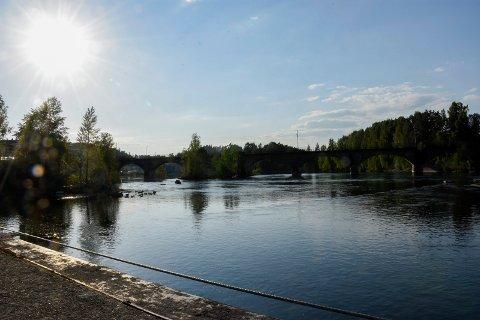 Sola skinte over Hønefoss onsdag, men akkurat litt for lite til å slå varmerekorden for mai.