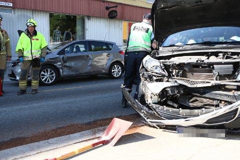 En person ble kjørt til sykehus av ambulanse etter ulykken i Stangs gate.