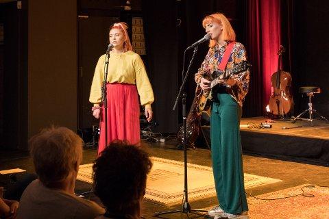 Duo: «Mellow», som består av Marie Skov Clausen (16) fra Hole og Maria Marzano Røgeberg (17) fra Åros