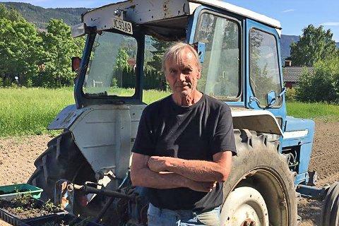 """Naturelskeren: John Yngvar Larsson har skrevet ny bok om """"Den fantastiske skogen"""". Til daglig er han å finne på Løkkene i Åsa."""
