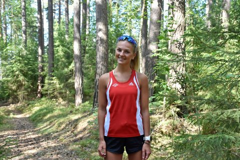 SATSER VIDERE: Victoria (19) skal fortsette å satse på løpingen når knærne er fullstendig leget. Målet er å fullføre en 5-kilometer på under 18 minutter.