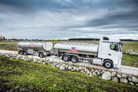 TINE: Tankbilene til TINE tilbyr seg å kjøre vann til seterdriftene for å gi bedre beite til dyrene.