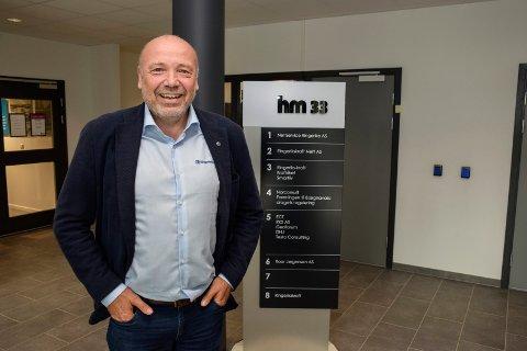 JOBBER UT ÅRET: Ole Sunnset blir pensjonist når 2021 er omme. Nå søker Ringerikskraft hans etterfølger.