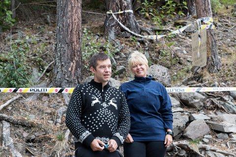 Skuffet: Mørkonga er stengt og Jon Eide fra Lier og Christina Schjeldrup fra Oslo måtte vende om ved politisperringene.