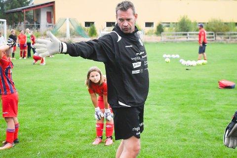 Synes det er trist: Morten Bakke liker ikke at HBK er i ferd med å forsvinne ut av toppfotballen.