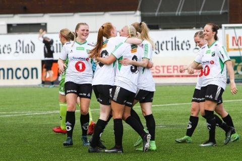 HBKs kvinner med ny seier på Aka Arena, mye takket være Silje Nyhagen. Sarpsborg måtte dra den lange veien hjem med seksmålstap.