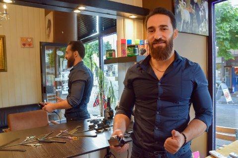 HØNEFOSS FRISØR: Naji Hamed (32)  starter egen frisørsalong i Fossveien 1 i Hønefoss.