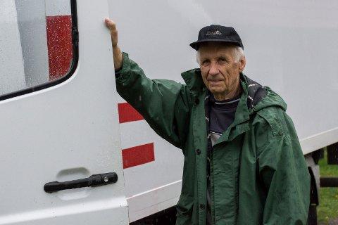 VIL HJELPE: Inge Gulbrandsen Skaro er i gang med en ny innsamling av klær og utstyr til fattige i Øst-Europa.