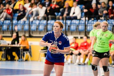 SKULLE SPILLE: Allerede i vår bestemte Marte Wibe seg for at hun skulle tilbake til HSK denne sesongen. Onsdag var hun mestscorende da Hønefoss slo Follo 2 30-23.