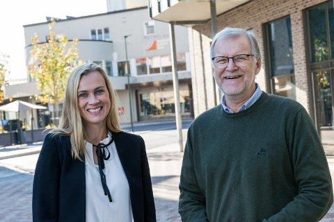 KLARE: Monica Odden Myklebust og Jan Erik Gjerdbakken i Ringerike næringsforening arrangerer Ringerikskonferansen 18. oktober.