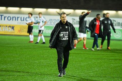SKUFFET: Den nye HBK-treneren Tor Thodesen sier rett ut at trenerbyttet har vært mislykket, fordi han ikke får gjennomslag for sine idéer.