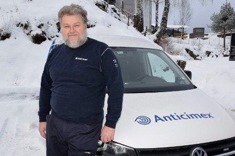 MULIG: Jørgen Atle Hjørnstad i Anticimex mener det er mulig å bli kvitt skjeggkre ved lang og ivrig innsats. Noe han sier han har klart selv ved flere anledninger.