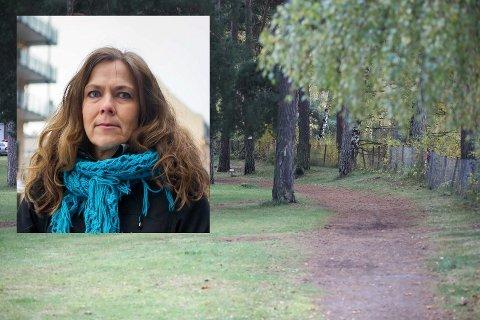 FØRSTE FORKLARING: Prost Kristin Moen Saxegaard har fulgt asylsøkerne til politiet slik at de kunne avgi en første forklaring.