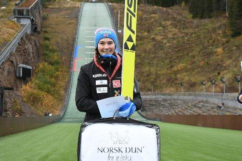 SOLID I TYSKLAND: Silje Opseth hoppet til 10. plass i Klingenthal, men rennet ble avsluttet etter en omgang.