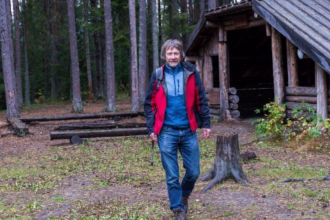 NÆR-FRILUFTSLIV: Morten Dåsnes mener at friluftsområder i gangavstand fra sentrum er viktig for folk flest. Området der gapahuken til Ullerål skole ligger er et godt eksempel på dette.