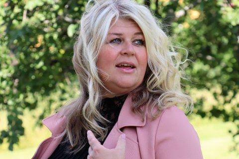 PRØYSEN-STEMNING: Ann Kristin Aannerud stiller på Eger og Co sammen med Jon Lotterud.