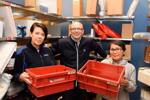 KLARE: Oksana Marutik (43), Jostein Rogne (58) og Thanya Hasselby (52) er klare for både Black Friday og julepost.