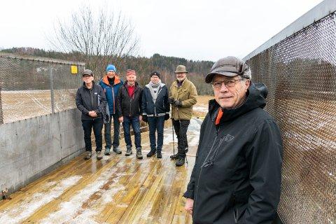 MISTER TUROMRÅDET: Steinar Frøyshov har vokst opp i Hovsenga. Nå er turområdet rasert. I bakgrunnen turkameratene Lars-Anders Mosskull (fra venstre), Nils Henrik Wibe Evensen, Kjetil Sudgarden, Trygve Haugen Øvretveit og Kjell Reidar Skaran.