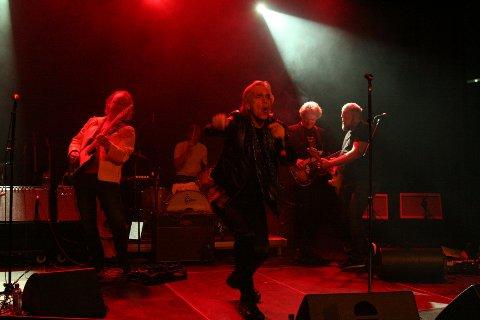 UTSETTER: Pieter Kentrop er Mick Jagger på scenen. Nå er mai-konserten utsatt til desember.