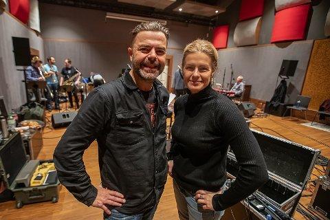 TIL LONDON MED EGENSKREVNE LÅTER: Alf Bretteville-Jensen og Johanna Demker.