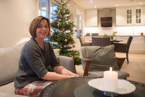 JUL: Første jul i helt nytt hus. - Her var det bare skog før vi skilte ut tomten og bygde nytt, sier Elisabeth.