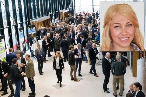 """FEIRER FEM ÅR: For femte år på rad arrangerer Viken Skog konferansen """"Tømmer og marked"""", som samler mellom 500 og 600 deltakere på Sundvollen. Kommunikasjonsleder Linda Camilla Strømsod i Viken Skog gleder seg."""