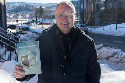 HOLDER FOREDRAG: Jan Richard Lindbæk skrev bok i fjor. Nå holder han foredrag og seminar.