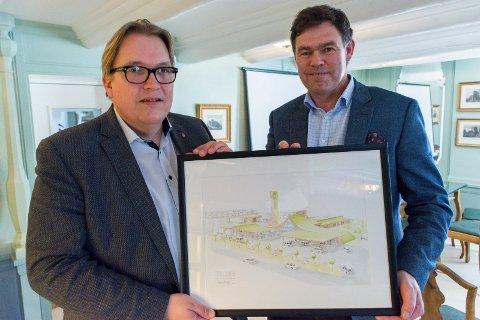 OVERBEVIST: Sverre Myrli (til venstre) sier han er overbevist om at Frederik Skarstein bør få et E16-kryss å bygge den planlagte energistasjonen ved.