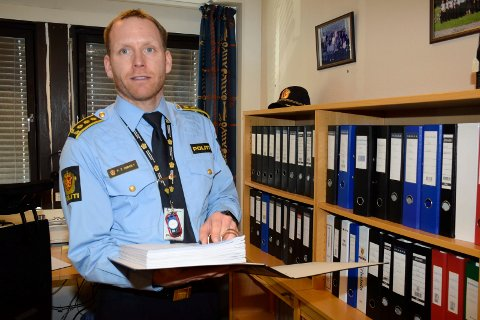 KOMMENTERER IKKE: Politiinspektør Per Thomas Omholt i Sør-Øst politidistrikt ønsker ikke å kommentere siktelsen før pressekonferansen på politihuset klokka 12.