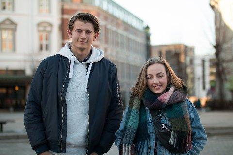 OPPFORDRER RUSS: Christian og Oda oppfordrer neste års russ til å være med, for det går til en god sak